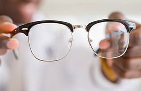 Glasses with high index plastic lenses